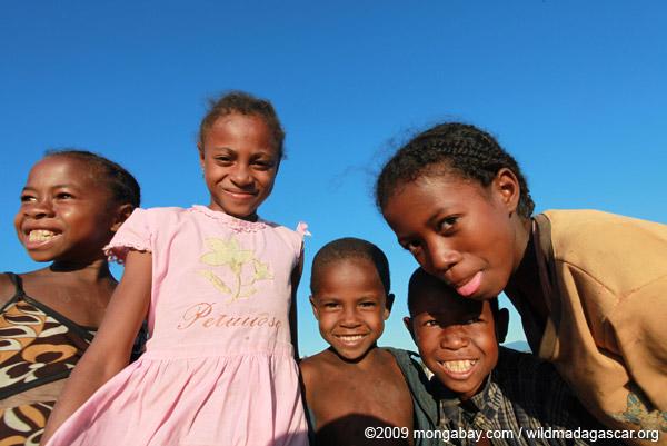 Kids in Maroantsetra