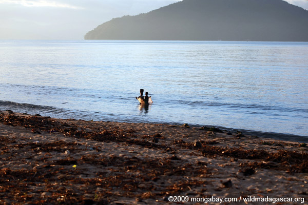 Women fishing in the Bay of Antongil