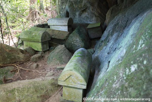 Fasana or tombs on Nosy Mangabe