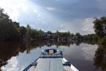 Village along the Rungan River [kalteng_1013]