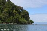 Coastline of Nosy Mangabe [madagascar_maroantsetra_0013]