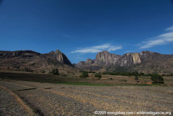 Tsaranoro Valley