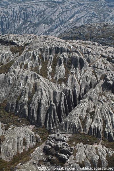 Narrow granite valleys atop Andringitra's Chaine de Montagne Ampiadrianombilahy