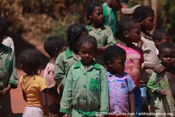 Children in an Antanifotsy Valley village