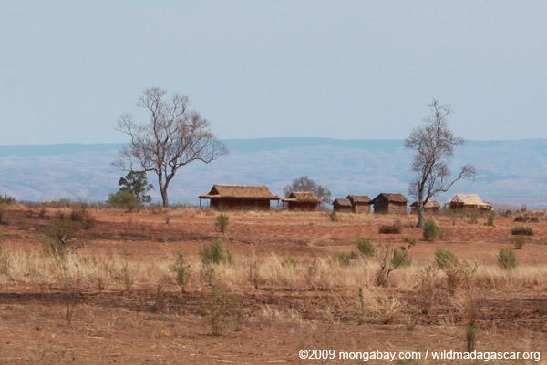 Village along RN7